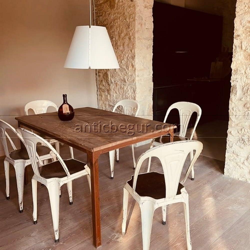 Mesas de madera antigua recuperada