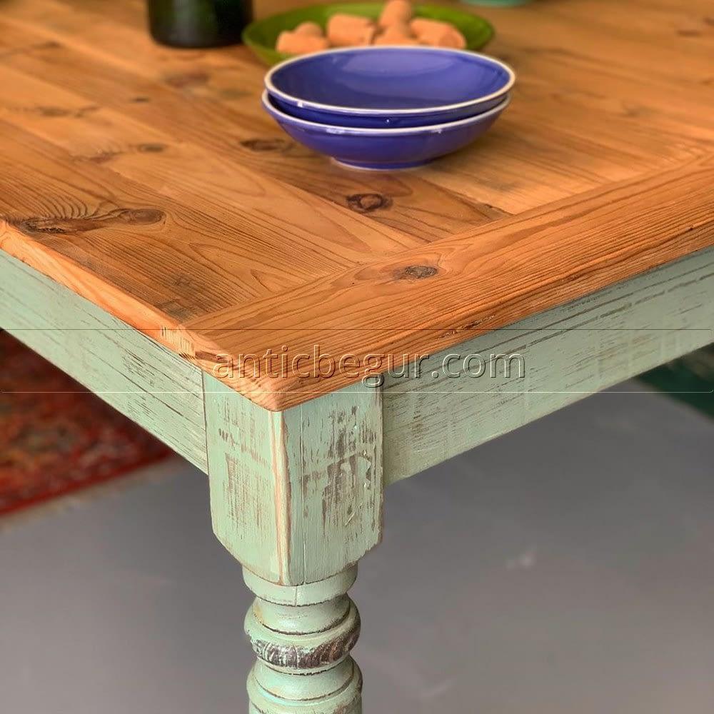 ¿Se te había ocurrido dar un toque de color a tu comedor con una mesa de ANTIC BEGUR? En nuestro Showroom podrás inspirarte con unas cuantas ideas que quizás puedan convencerte a la hora de apostar por muebles restaurados o bien fabricados en madera recuperada.