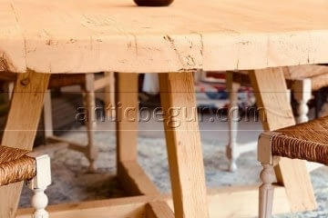 antic-begur-solida-mesa-madera-redonda-antic-begur-5