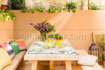 antic-begur-verano-terrazas-antic-begur-muebles