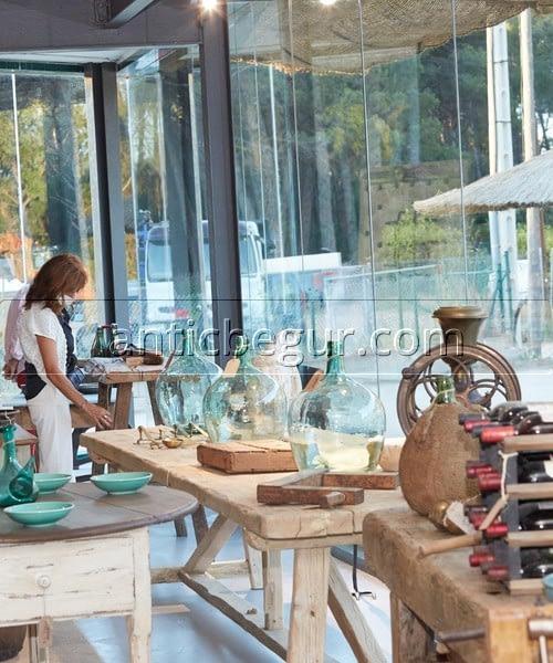 Inauguración tienda ANTIC BEGUR anticuario muebles a medida