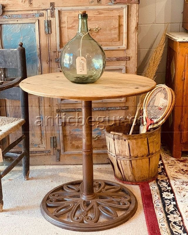 En ANTIC BEGUR fabricamos muebles a medida en madera vieja recuperada y ofrecemos un nivel de personalización que se adapta a las necesidades de cada cliente. Hoy en día lo complicado no es encontrar quien trabaje la madera recuperada, sino encontrar un buen profesional que realice un buen trabajo y cumpla los plazos pactados con el cliente, tal y como lo hacemos nosotros